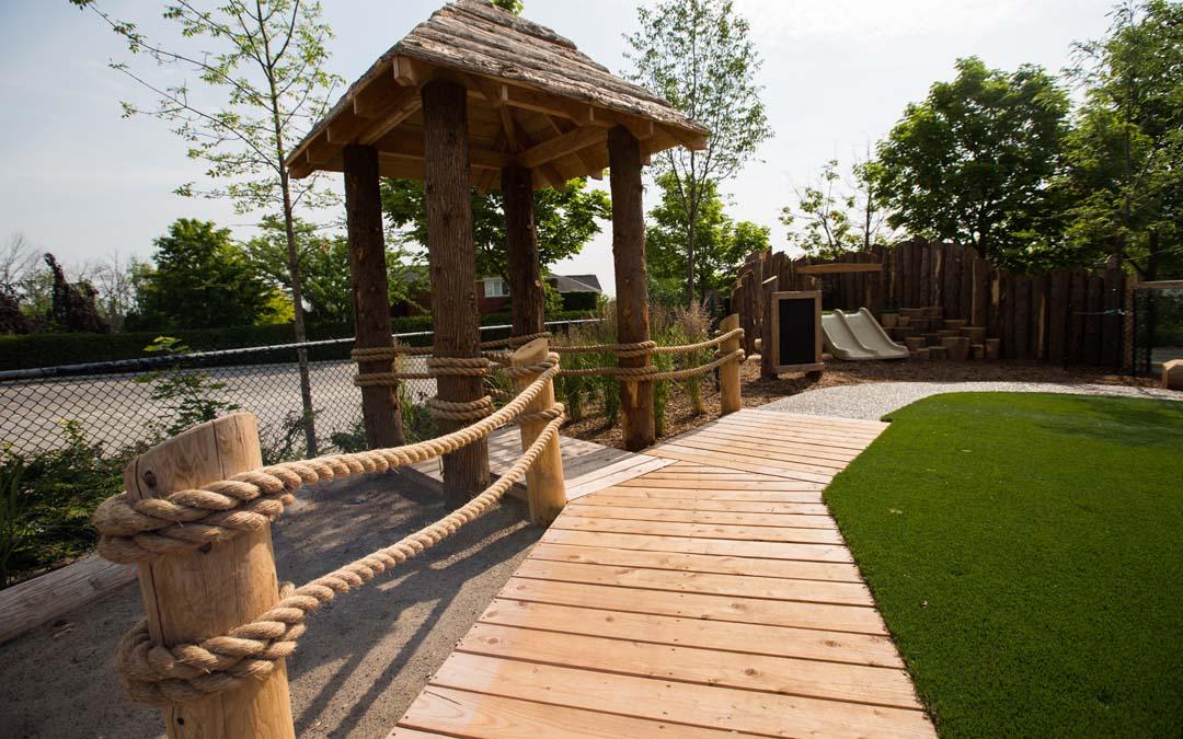 Oakville-natural-playground hut