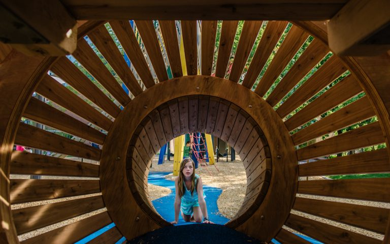 crawl wood structure play canada