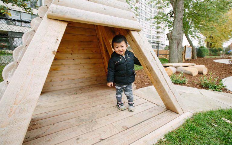 natural play hut