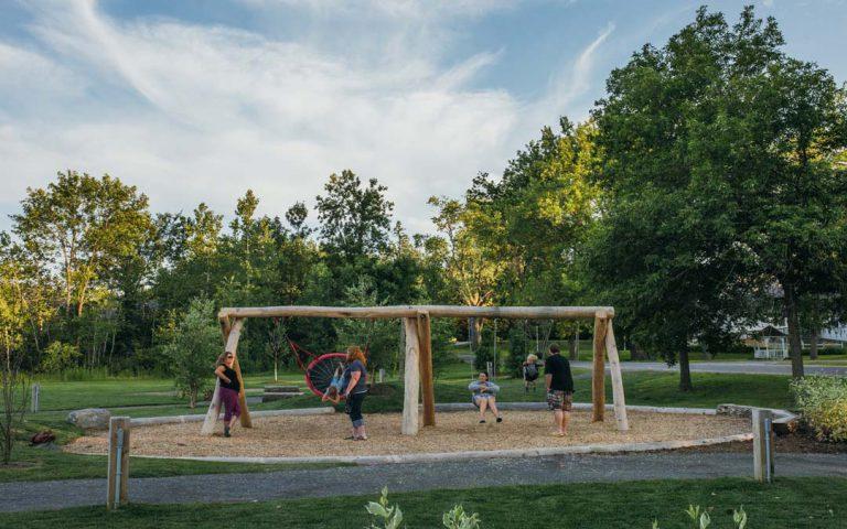 Log Swing Playground