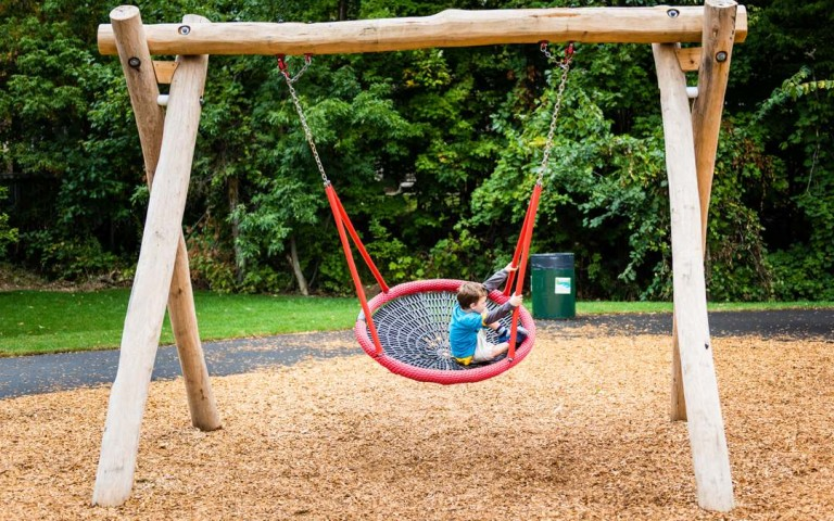 wood basket swing