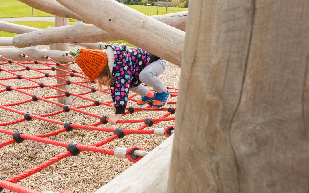 climbing net log jam