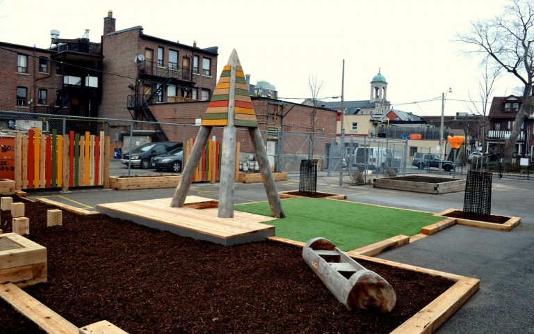Holy Name Catholic School 031 school playground natural tower log fence sand